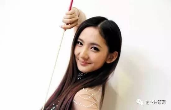 """85后美女来汉<a href=https://www.zhifujing.org/gushi/ target=_blank class=infotextkey>创业</a> 成为江城钢管舞""""总教头"""""""